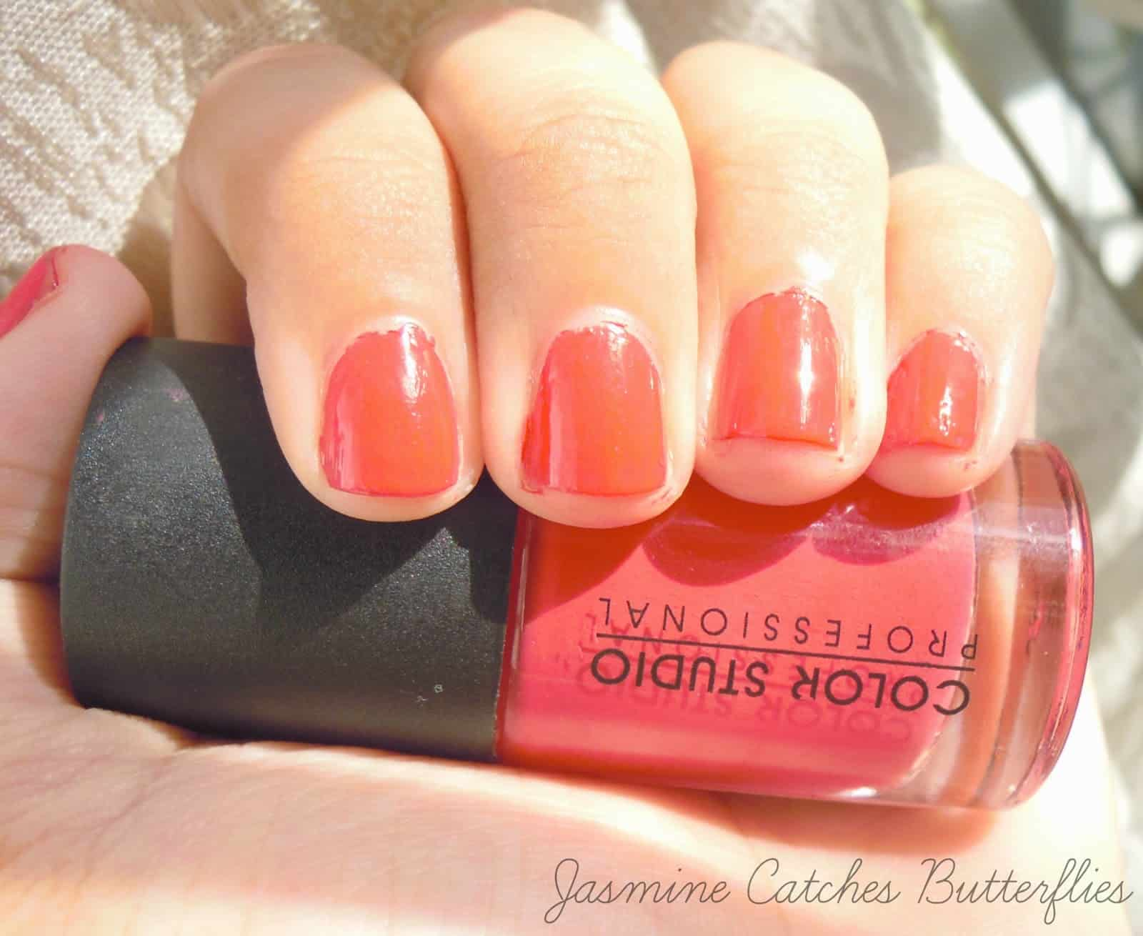 "Color Studio Professional ""Bomb Shell"" Nail Polish Review and Swatches"