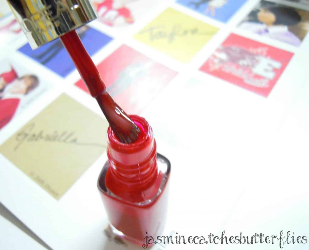 L'Oreal Color Riche Nail Polish in Pin Up | Review and Swatches
