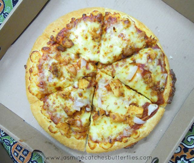 Pizza Hut Triple Treat Box