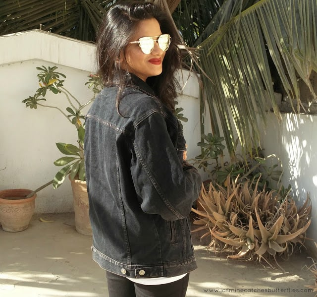 Zaful Metal Bar Golden Frame Pilot Sunglasses Paired With Black Denim Jacket