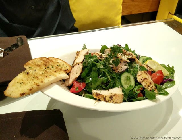 House of Wings Grilled Chicken Salad